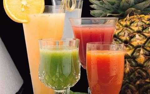Выбор напитков в Таиланде.
